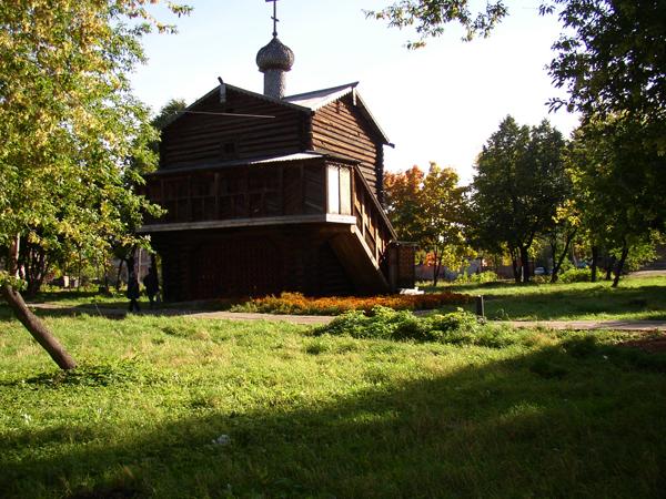 Михайло-Архангельская надвратная деревянная часовня Благовещенского монастыря, г. Слободской