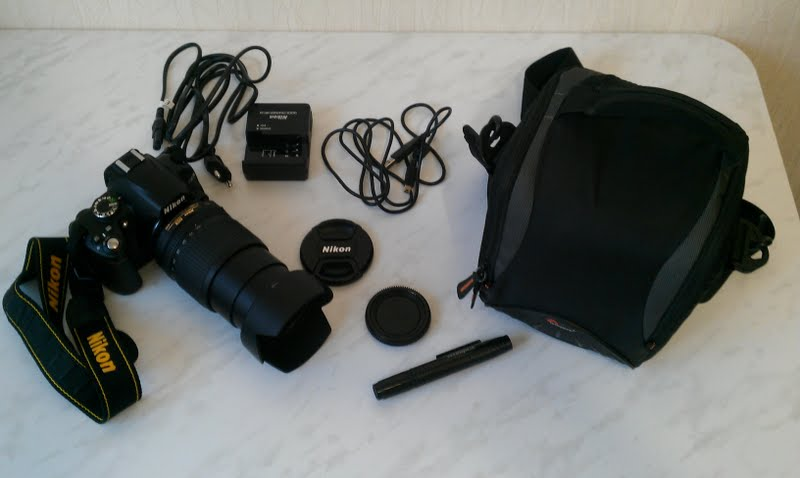 Nikon D3000 в комплекте