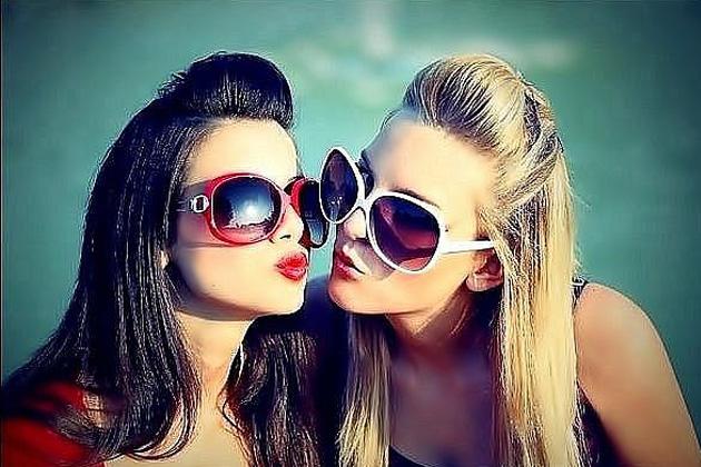 Гламурные девушки в очках