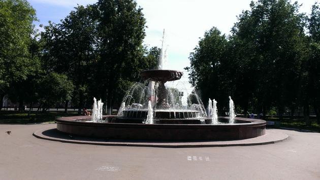 Киров, фонтан на Театральной площади